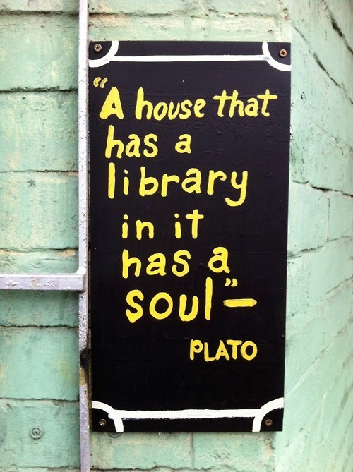 Houselibrary-plato
